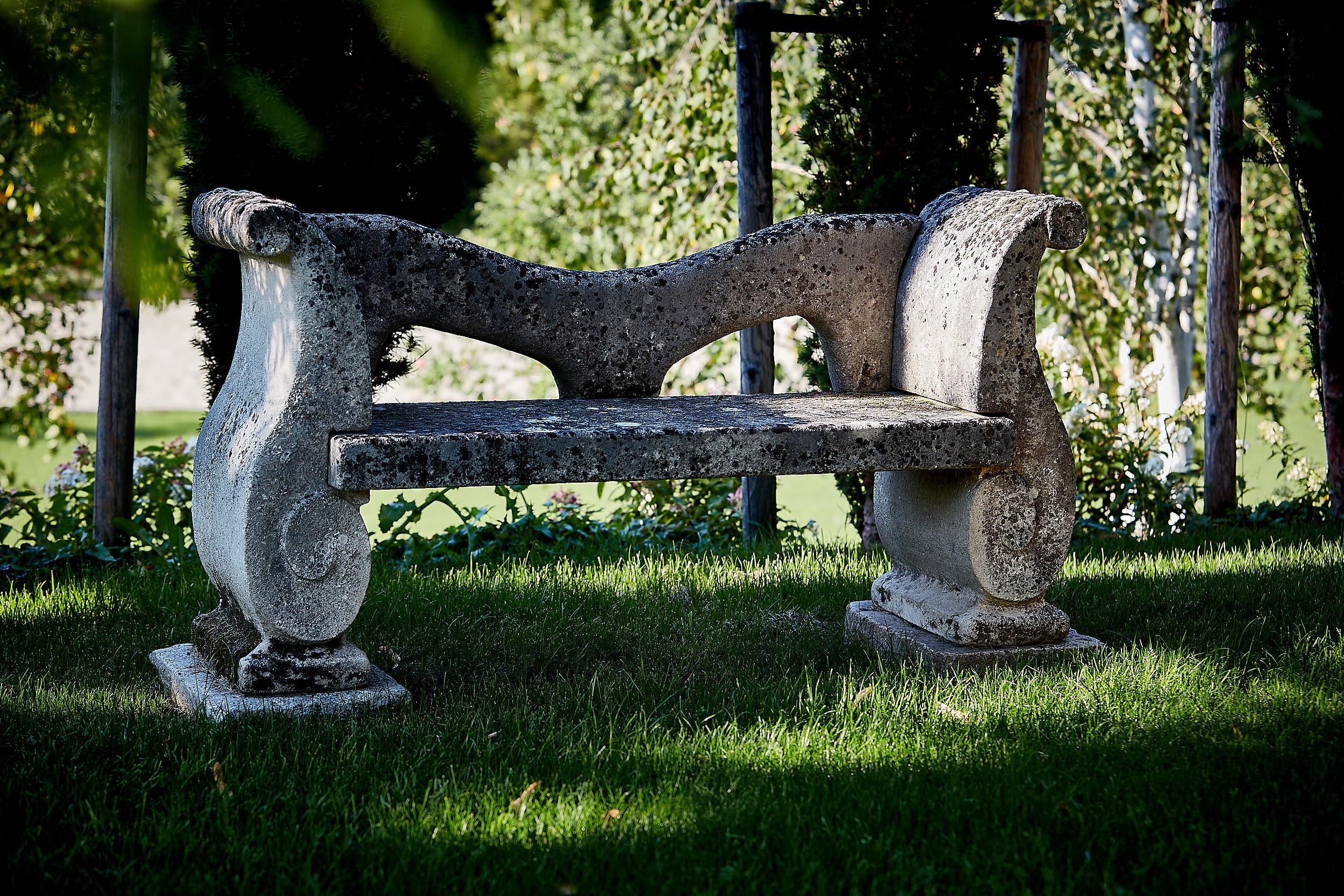 Sitzbank mit durchbrochener Rückenlehne, 4-teilig
