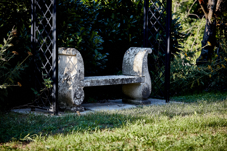 Sitzbank - symmetrisch mit beidseitiger Armlehne